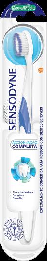 Escova média Sensodyne Ação Completa 1 uni